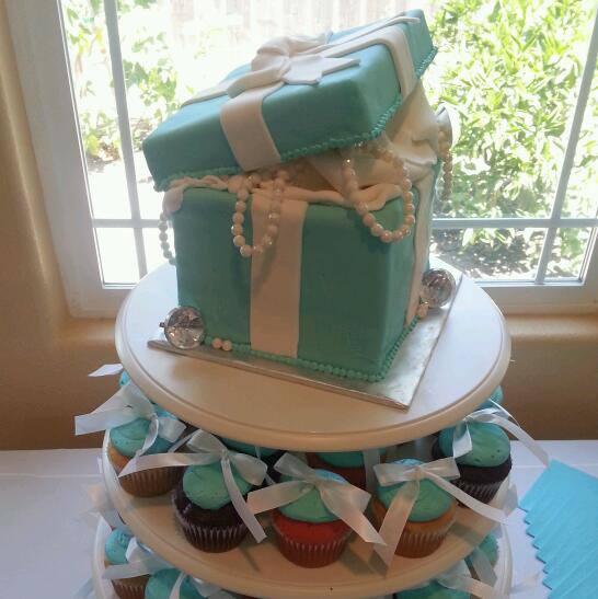 Cake by Fizz Bakery