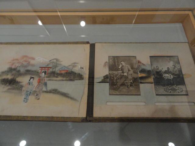 Fotos aus einem Fotoalbum eines deutschen Marinearztes in Japanischen Lackeinband / Pictures from a photo album of a German navy doctor with Japanese lacquer covers (1903)