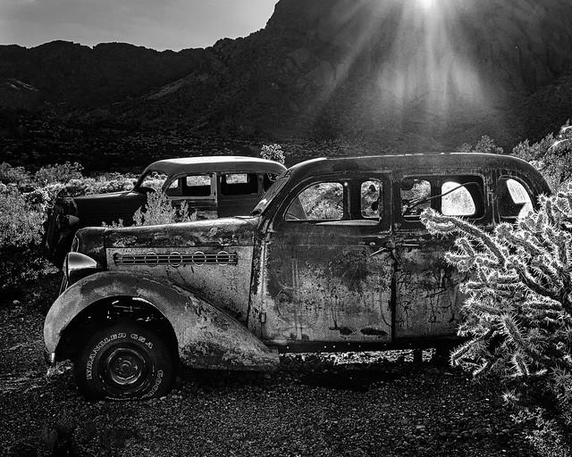 02469376422735-115-19-08-Rust Bucket in the Mojave Desert-8-Black and White