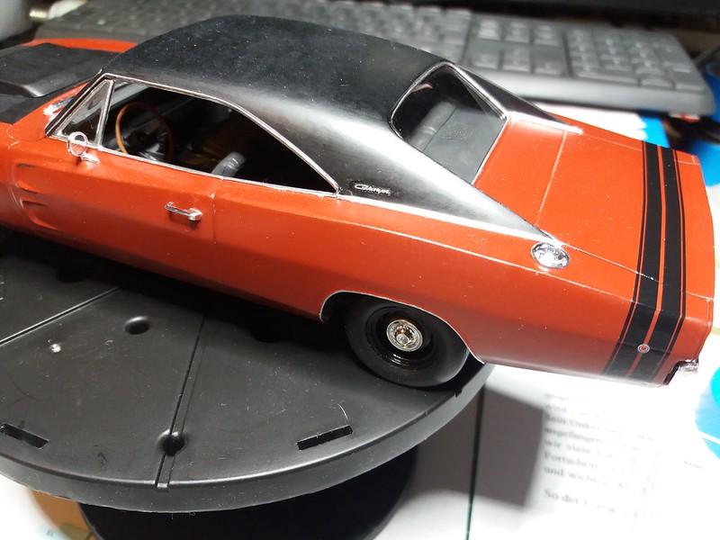 Défi moins de kits en cours : Dodge Charger R/T 68 [Revell 1/25] *** Terminé en pg 8 - Page 9 48531567651_94421375e9_c