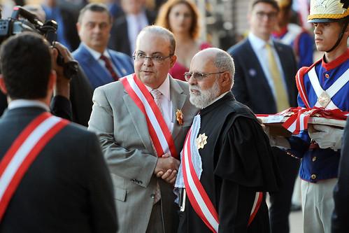 Governador recebe Ordem do Mérito Judiciário do Trabalho