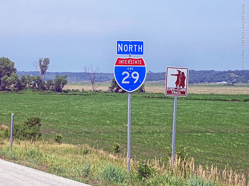 minnesota 2019 july july2019 vacation roadtrip 2019vacation 2019roadtrip minnesota2019roadtrip minnesota2019vacation drive driving driver driverpic ontheroad road highway iowa harrisoncounty missourivalley interstate freeway interstate29 i29 northbound northboundi29 lewisandclarktrail sign shieldsigns exit75 usa