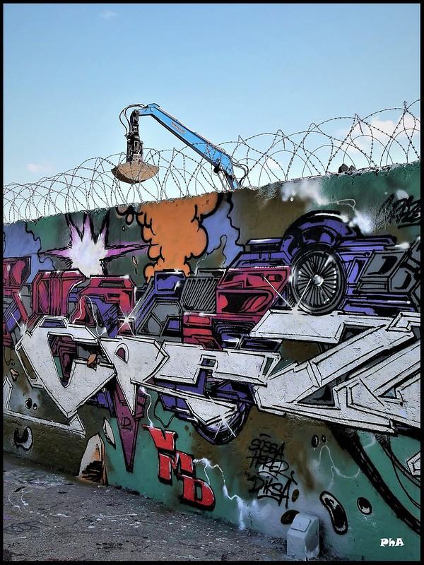 Urban Artist 48534137021_813c14b604_c