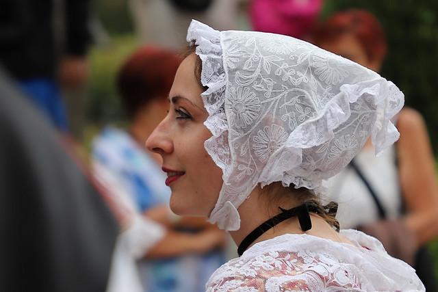 Bonnet et dentelles