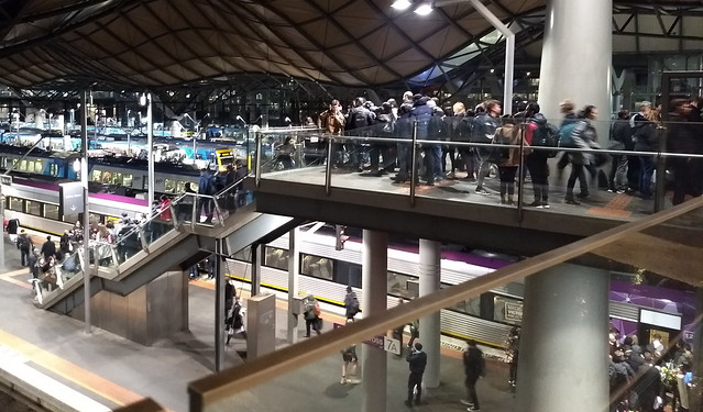 Southern Cross Station: Crowding to get onto platforms 7 and 8
