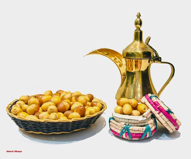 The Khelas the most delicious dates in Bahrain رطب الخلاص سيد أنواع الرطب في البحــرين