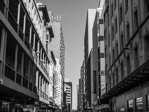 adelaide adelaidecbd southaustralia sa australia city urban downtown cityscape town cityview blackandwhite bw grayscale mono monochrome building architecture street symmetry vanishingpoint structure outdoor winter day afternoon rundlemall streetphotography olympus microfourthirds