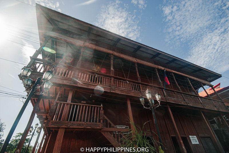 DAPITAN TOURIST SPOTS: OLD HOUSES