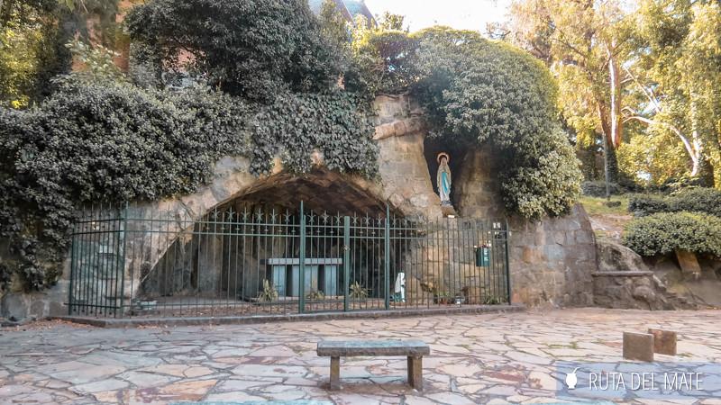 Gruta de Lourdes en el Monte Calvario