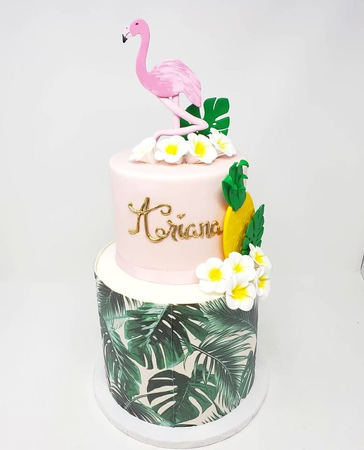 Cake by C'est Si Bon Bakery