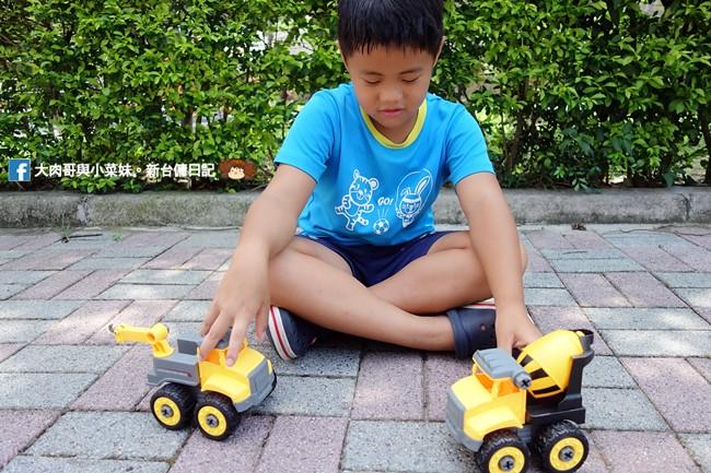 《育兒分享》麥琪親子選物.SMART積木車~可全車拆卸組合的工程車玩具,訓練孩子手部小肌肉發展,培養手眼協調與指尖靈巧度