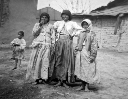 GYPSIES (1910) . SINTI OR ROMANIES (2019)