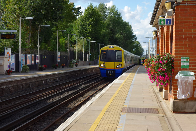 Southbound Overground Train Arrives at Hatch End