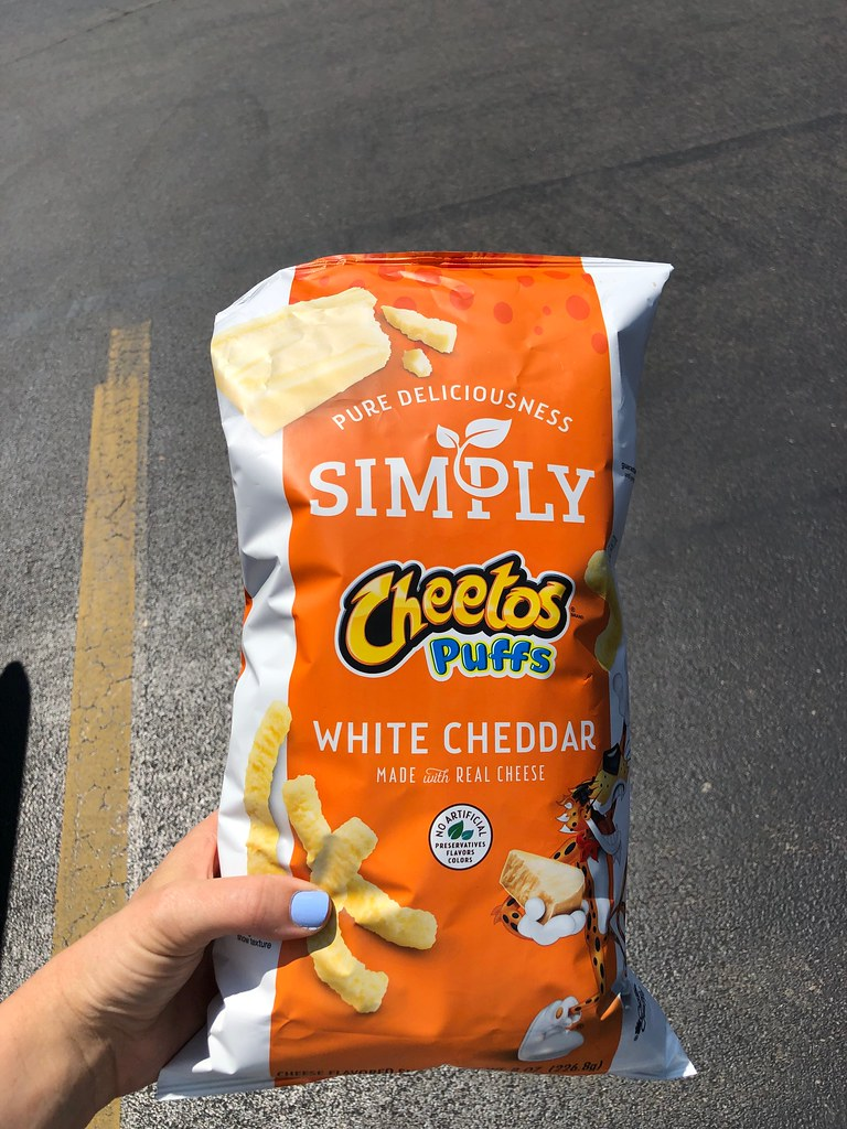 Simply Cheetos white cheddar