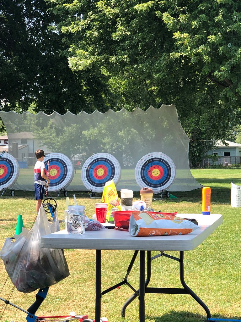Archery lessons for 8-12 year olds
