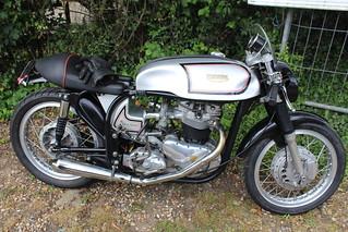 Triton 1964 650cc YCV 352B
