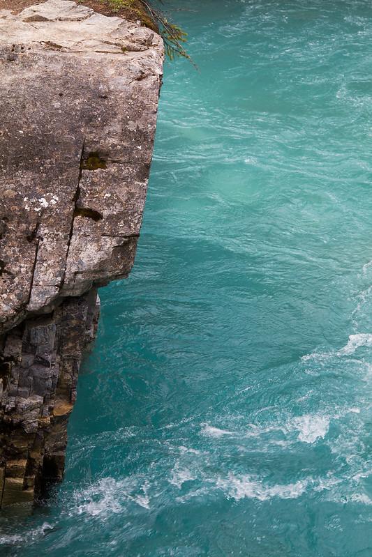 Agua en Marble Canyon (Rocosas - Columbia Británica - Canadá)