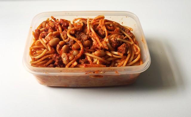 Spaghetti with ground meat tomato bean sauce - Leftovers II / Spaghetti mit Hackfleisch-Tomaten-Bohnen-Sauce - Resteverbrauch II