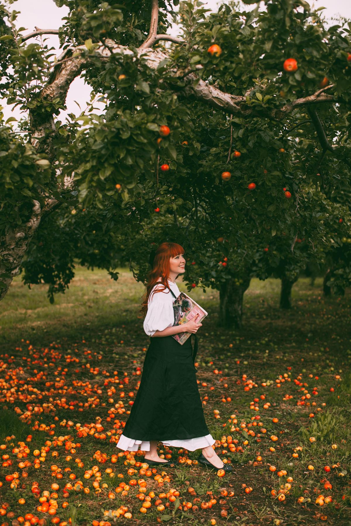 tasha tudor orchard-19