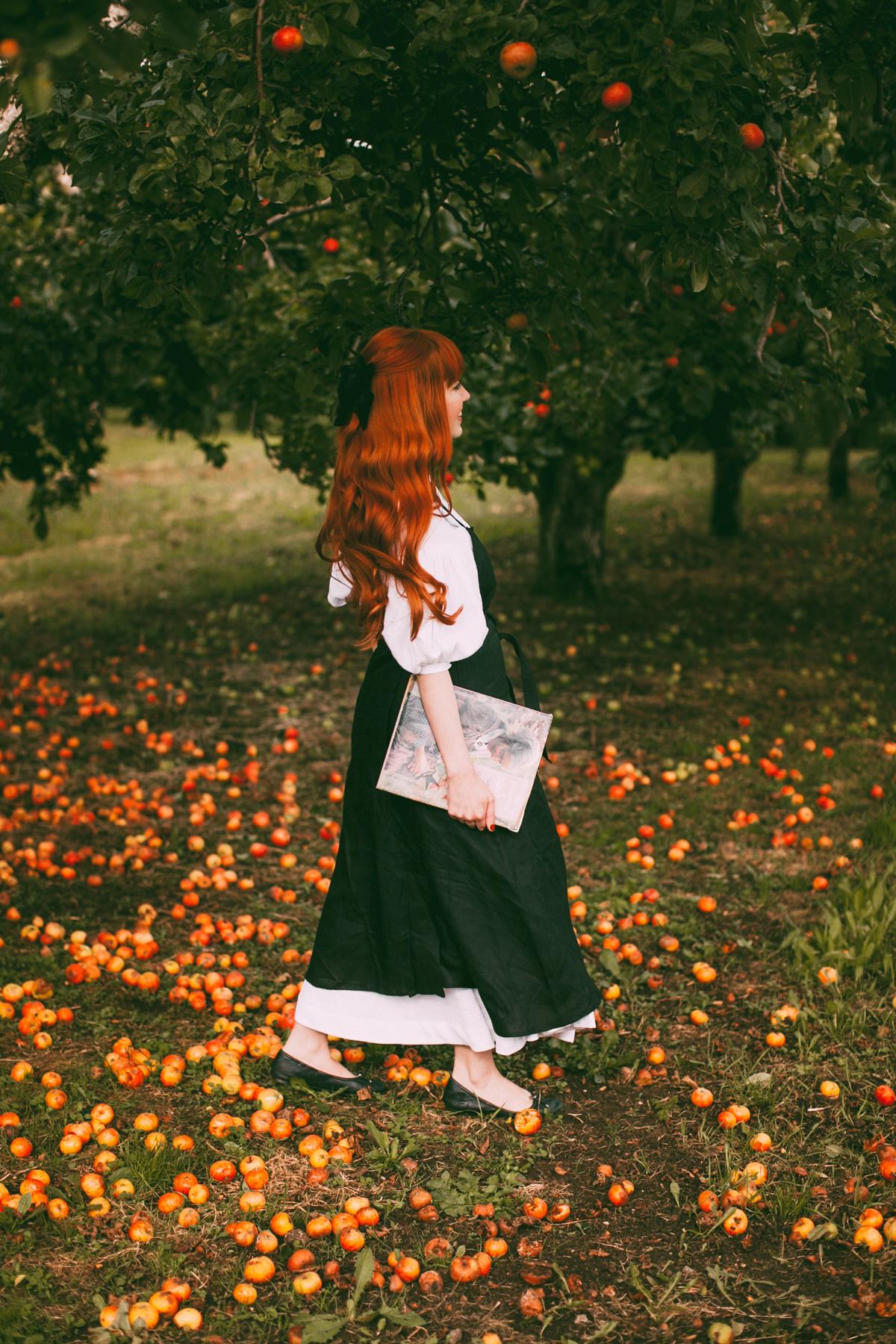 tasha tudor orchard-18