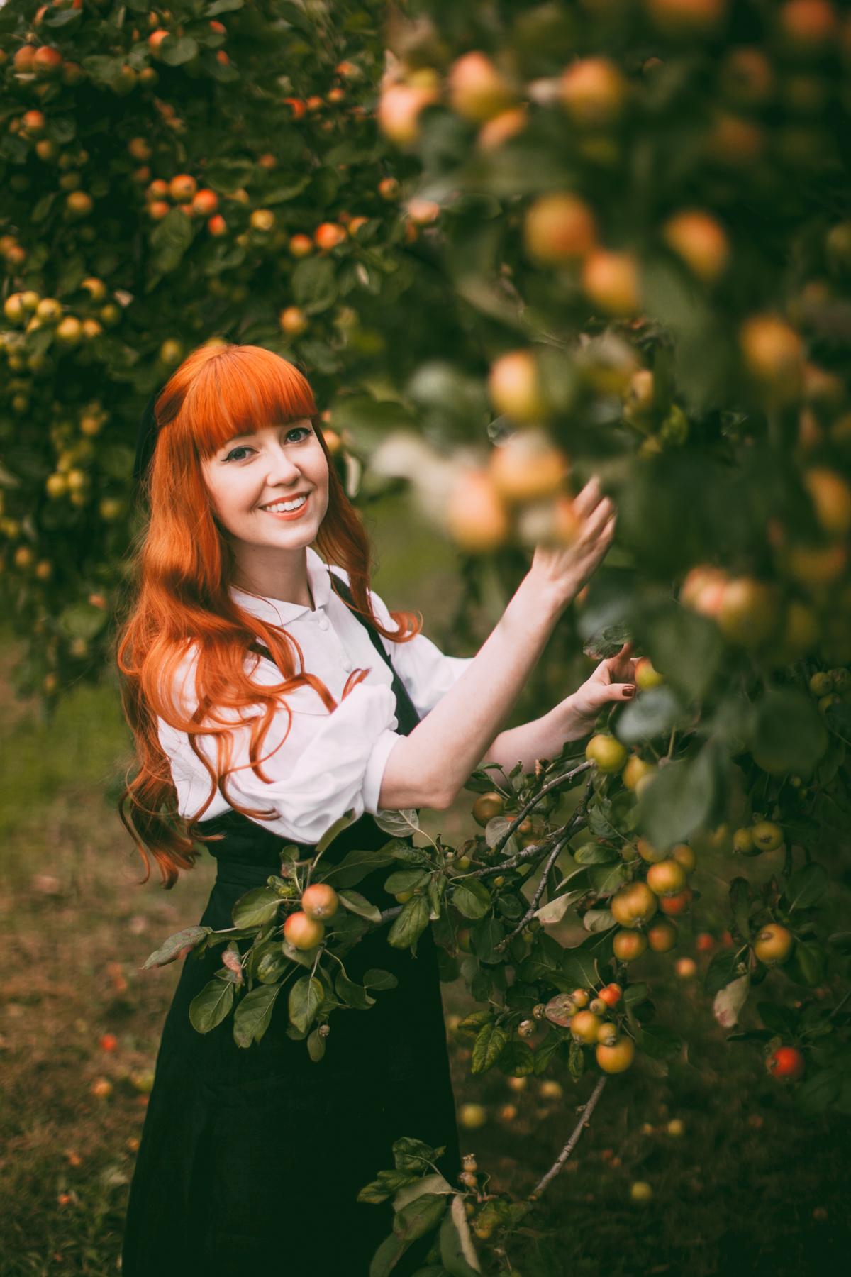 tasha tudor orchard-12