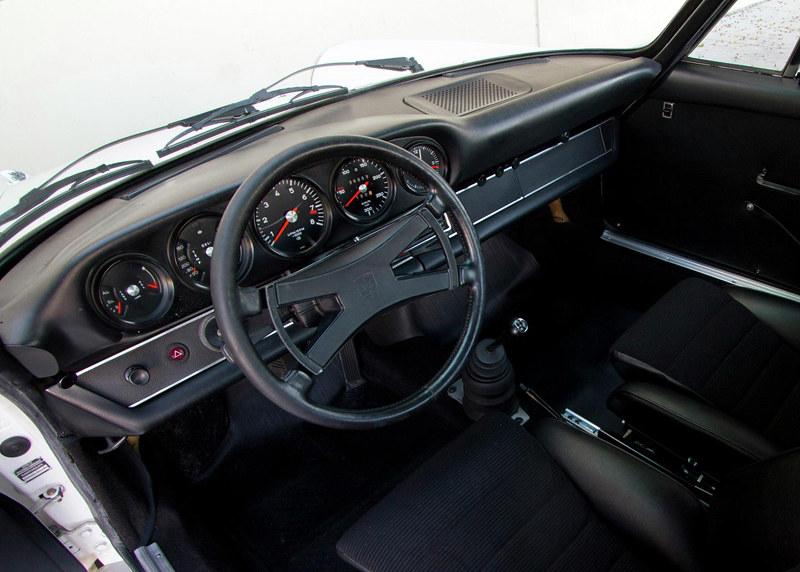 50a773b0-porsche-911-carrera-2.7-rs-touring-27