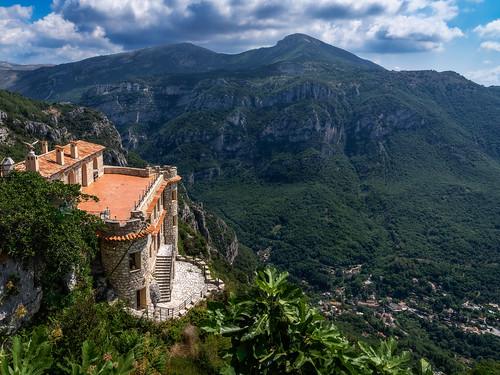 france historical berge landschaft frankreich provence luberon mountains histotisch gordes dorf village felsen rocks