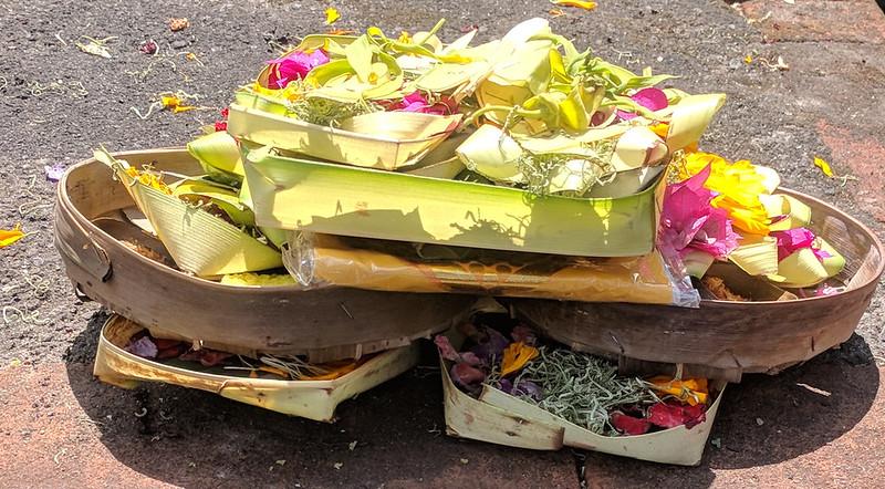 Ofrendas hinduistas en Ubud