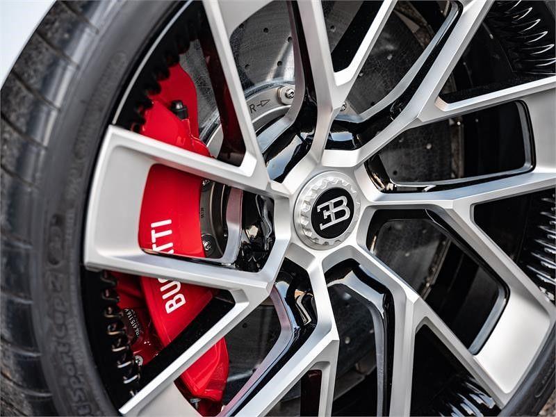 21f73a42-bugatti-eb110-hommage-12