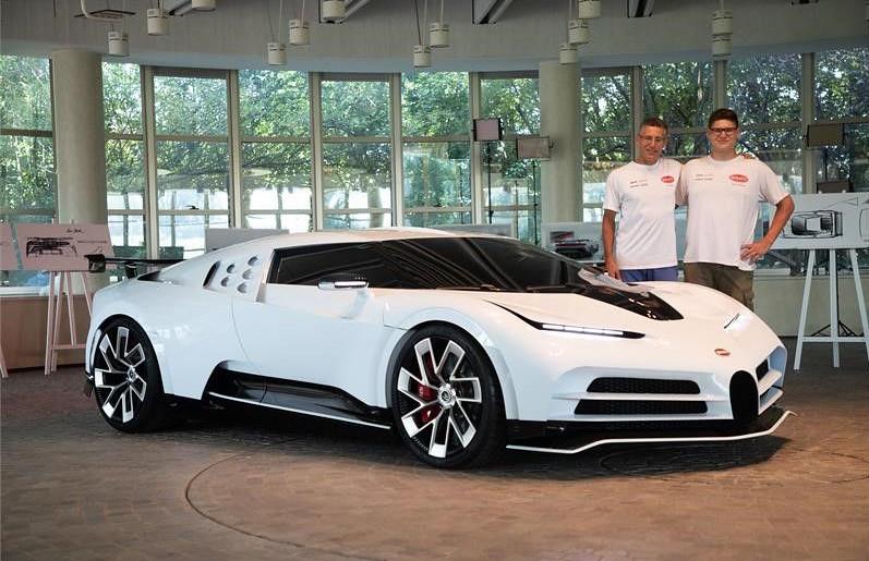 38f43cbd-bugatti-eb110-hommage-2