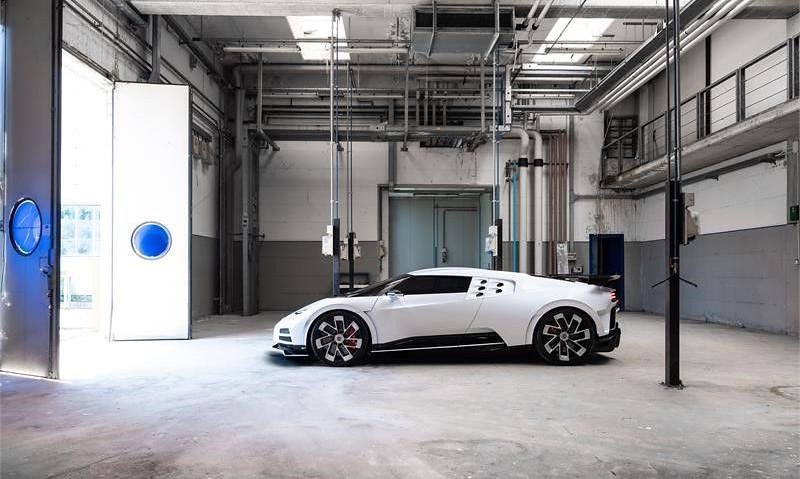 d8f0d44f-bugatti-eb110-hommage-3