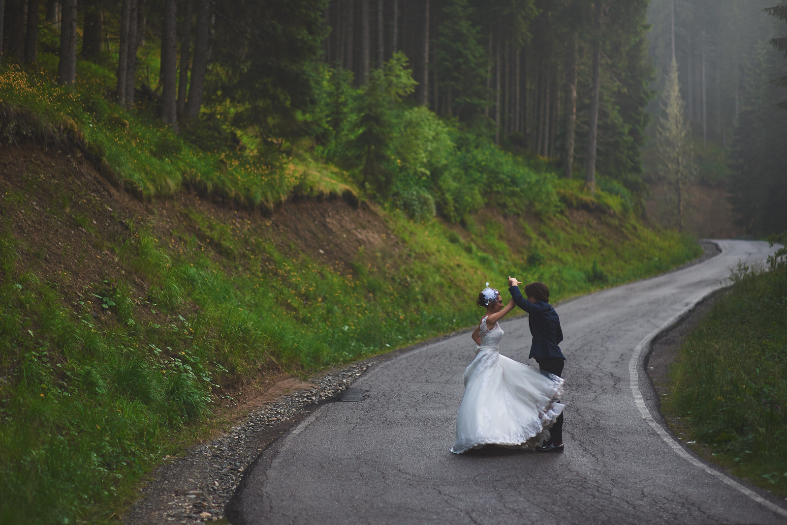 Sinaia, Brasov, After wedding Photography, Trash the dress, Romainian wedding photographer, epspictures, Endless Purple Skies, Sinaia Photo Session