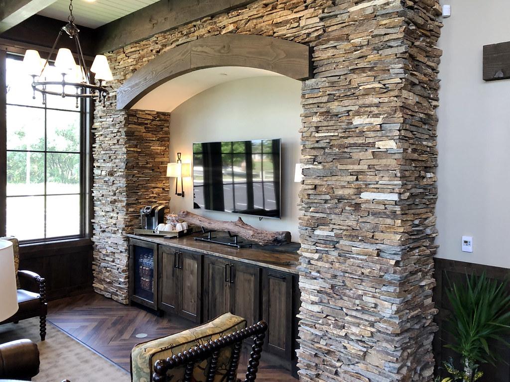Cinnamon Bark Ledgestone Interior Stone Veneer Buechel Sto Flickr