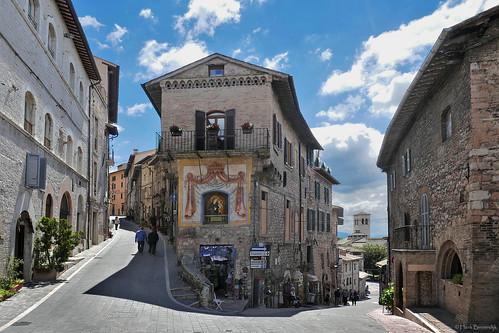 Umbria: Assisi streetcorner