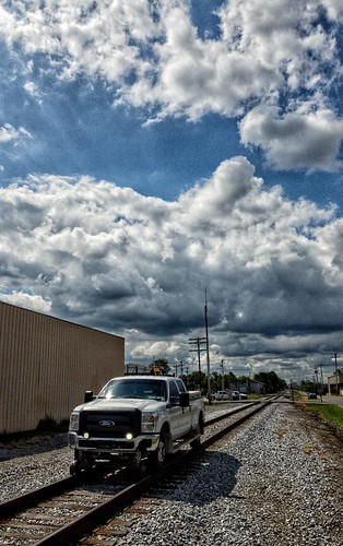 railroad railway scottsburg indiana vehicle clouds maintenance