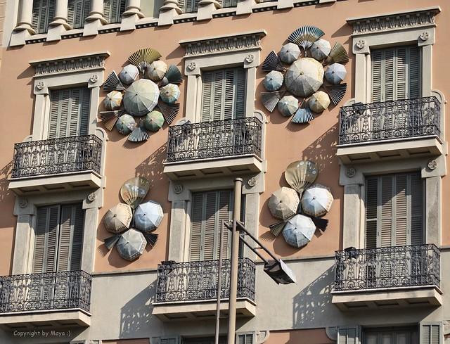 Casa Bruno Cuadros, La Rambla 82, Barcelona, auch als Haus der Regenschirme bekannt * House of the umbrellas * Casa de los paraguas *   .    DSC_3276-002