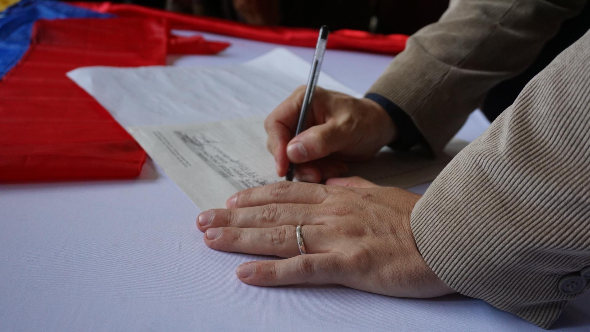 Canciller Arreaza firma por la Patria y contra el injerencismo de Donald Trump