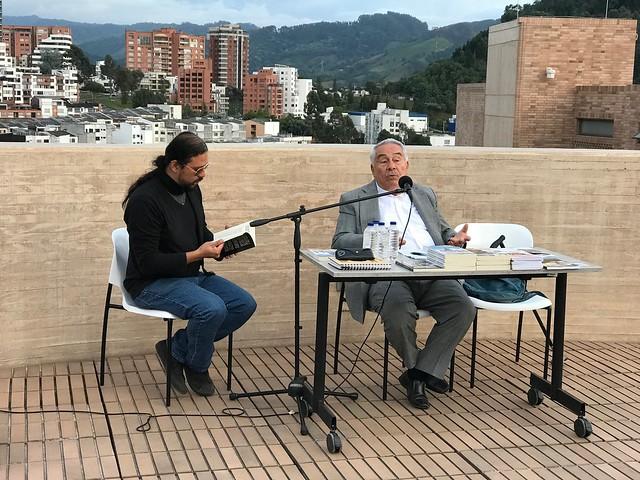 """""""A la sombra de la Catedral"""", el libro de Hinestrosa en el Festival de Poesía"""
