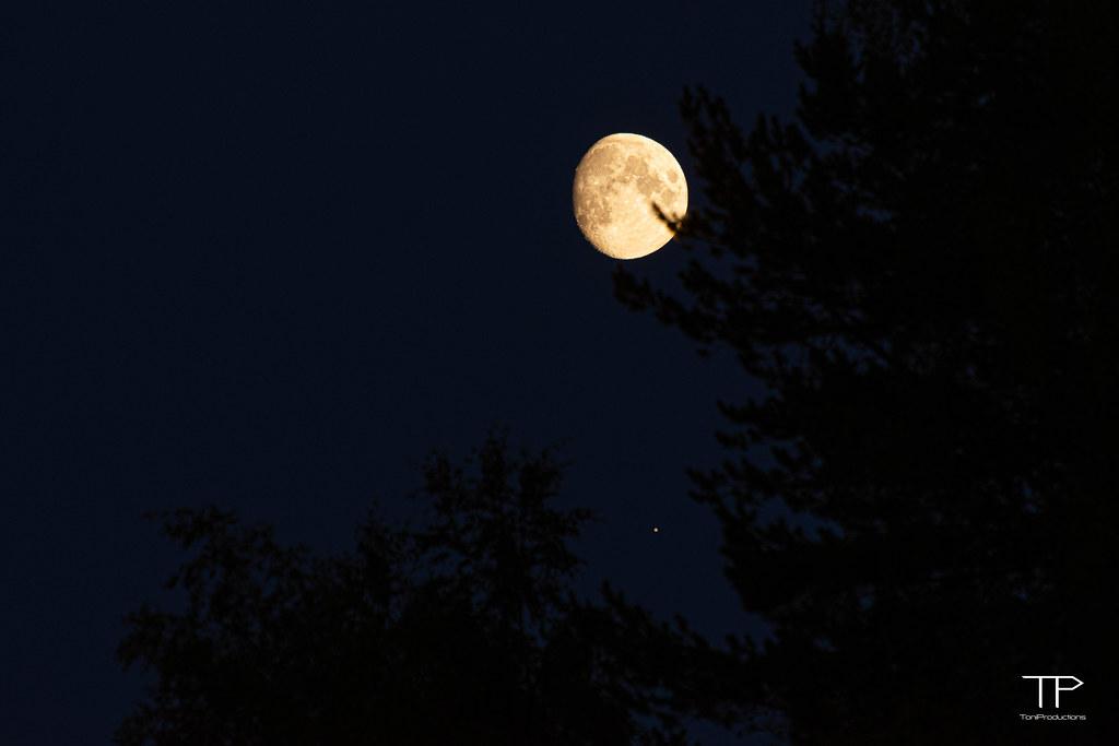 Moon & Saturnus