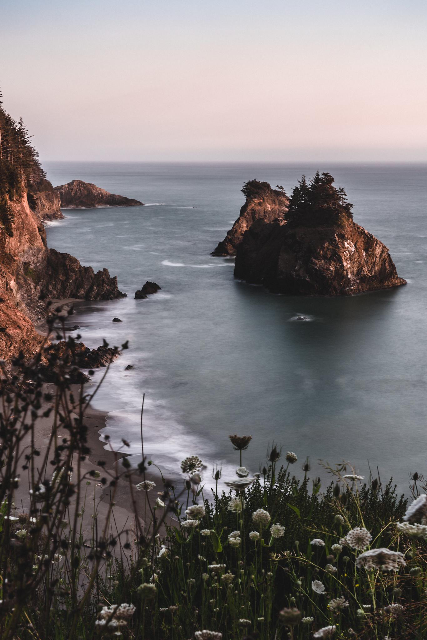 Long exposure of the Oregon Coast at sunset [OC][1366 x 2048]