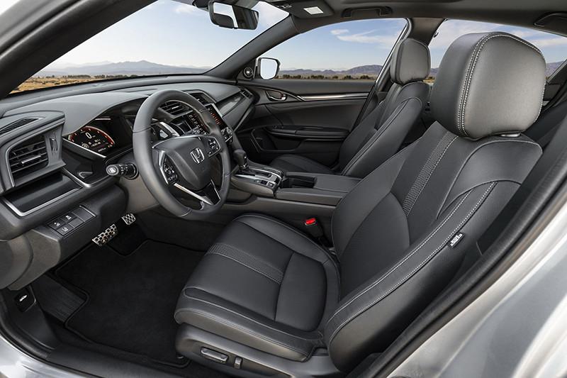 e124f528-2020-honda-civic-hatch-pricing-specs-2
