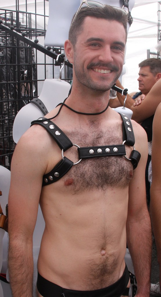 HELLA SEXY HAIRY HUNK ! ~ DORE ALLEY FAIR 2019 ! ( safe photo )