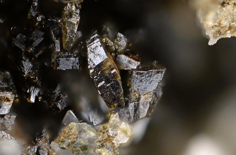 マンガンバビントン石 / Manganbabingtonite