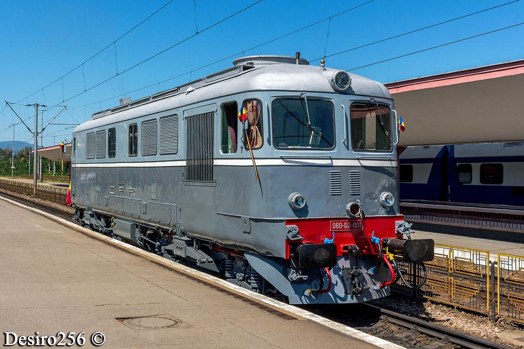 Locomotive clasa 60 - Pagina 39 48550696122_ab5498f0d8_b