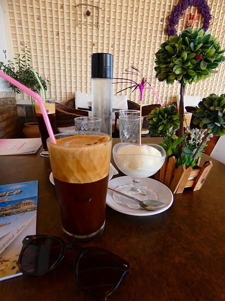 glace kaïmaki et café glacé
