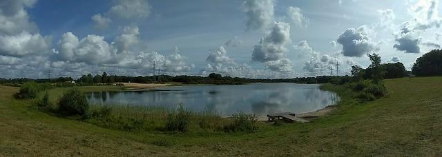Impressif clouds: Baggelhuizerplas Assen