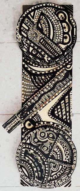 אמנות ישראלית מירית בן נון ציירת תבליטי עץ מצוירים