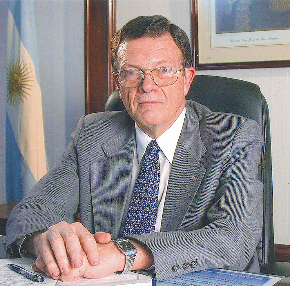 Honoris Causa, Tulio Del Bono
