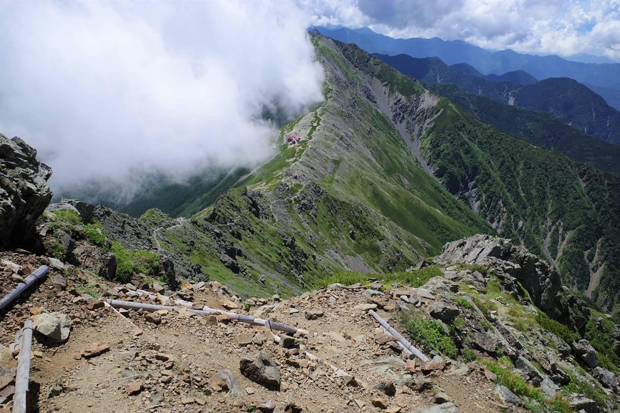 北岳から北岳山荘へ