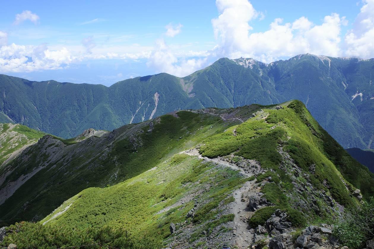 北岳の稜線と鳳凰三山